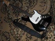 Продам бас-гитару с комбоусилитель
